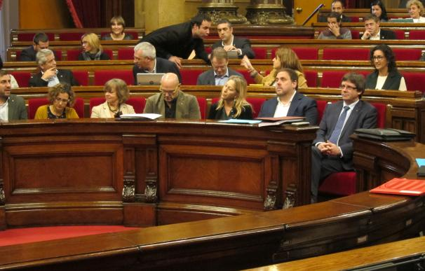 Puigdemont lamenta que letrados del Parlament deban declarar por la querella a Forcadell