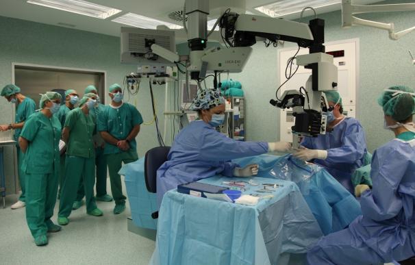 Oftalmólogos del Servet enseñan a colegas estadounidenses técnicas de cirugía de glaucoma micro invasiva