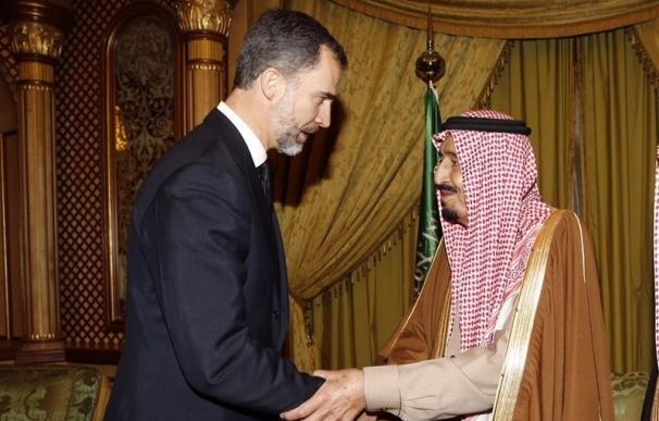 El Rey retoma su visita postergada a Arabia Saudí, que realizará entre el 12 y el 14 de noviembre