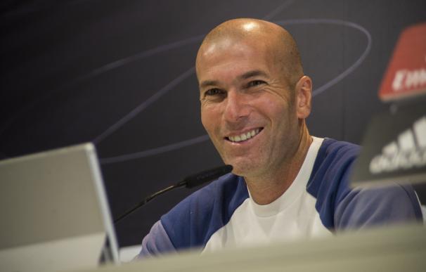 """Zidane confirma que Bale estará """"mucho tiempo"""" fuera y que recupera a Casemiro y Pepe"""