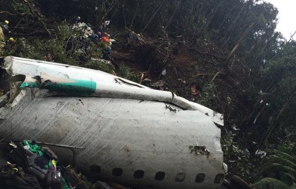 Dos de los seis supervivientes del accidente aéreo se encuentran en estado grave