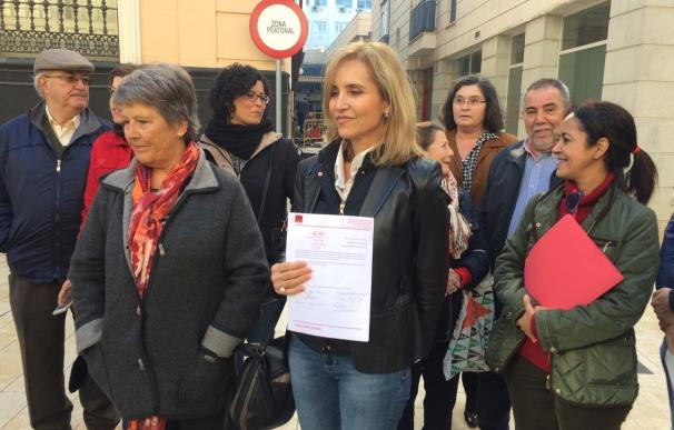 Un centenar de militantes del PSOE de Huelva se une para exigir un congreso federal extraordinario y primarias