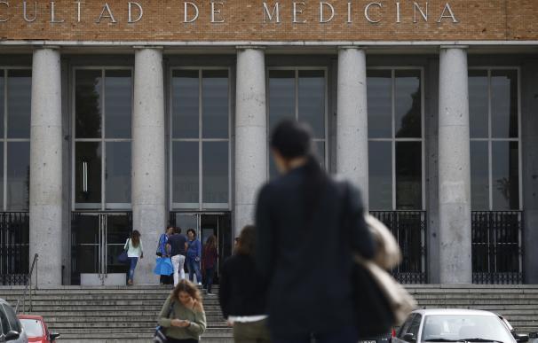 La Complutense propone la reducción de 4 facultades en lugar de 9 y mantiene Filosofía y Enfermería