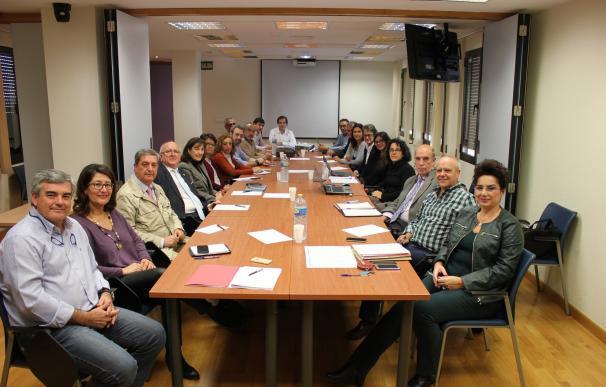 La comisión para mejorar la gestión de las listas de espera en Andalucía celebra su primera reunión de trabajo
