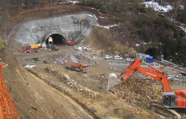 Adif Alta Velocidad concluye la perforación del Túnel de Padornelo, en su vía derecha, en la provincia de Zamora