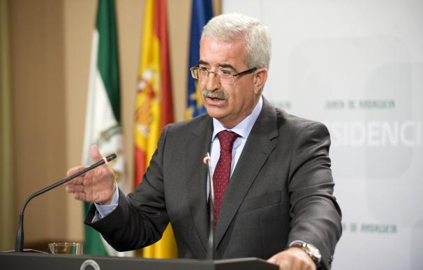 """La Junta ve """"indecente"""" que Moreno vaya a Bruselas a """"sembrar dudas"""" sobre Andalucía"""