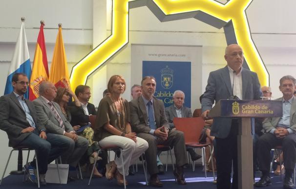 Morales insiste en que esperará al informe del secretario del Cabildo de Gran Canaria para decidir sobre Brito