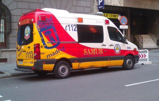 En estado crítico un trabajador tras caerse desde un tercer piso cuando colocaba un toldo