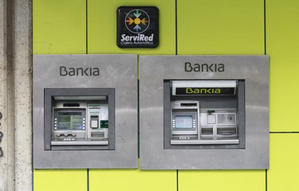 Ciudadanos y En Comú preguntan mañana al Gobierno en el Congreso por el rescate bancario y su coste