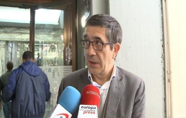 """Patxi López pide """"dejar atrás el no es no"""" y avisa de que un enfrentamiento fratricida será """"un desastre"""""""