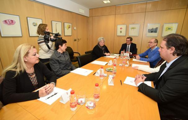 Diputación y asociaciones de consumidores asesorarán a los municipios sobre las cláusulas suelo