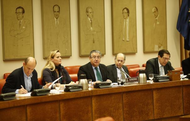 La oposición pide a Zoido más inversión en carreteras, más efectivos de Guardia Civil y trabajar en movilidad