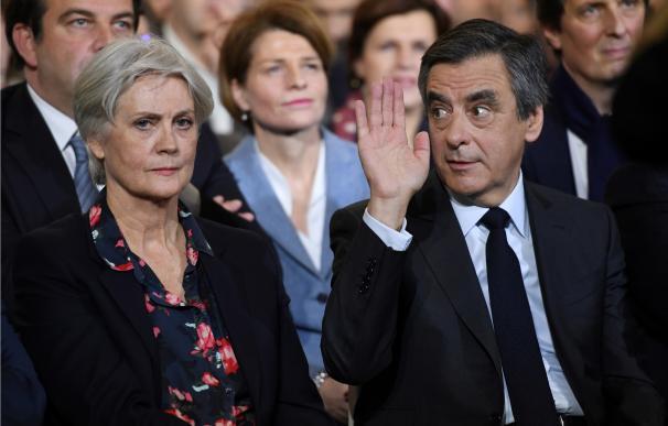 François Fillon y su esposa. AFP