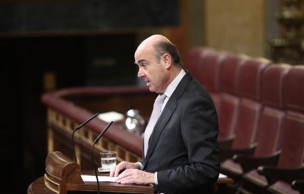 """Guindos dice que la Ley Hipotecaria acabará con la opacidad en las cláusulas """"especialmente sensibles"""""""