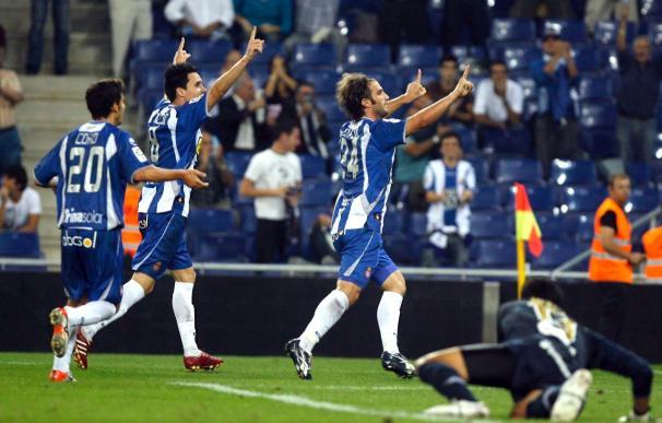2-1. La constancia da al Espanyol su primera victoria en Cornellà
