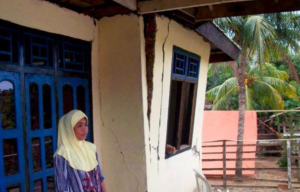 Al menos 13 muertos en el terremoto de magnitud 7,6 de Sumatra