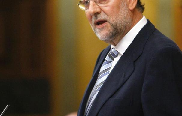 """Rajoy avisa a Zapatero de que va a poner el país en una situación """"imposible"""""""