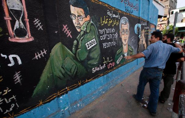 Israel liberará a 20 palestinas a cambio de información sobre Shalit, según Egipto