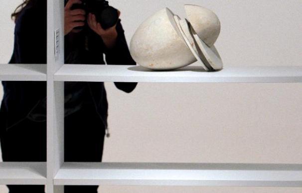 El escultor Alberto Bañuelos recrea en sus figuras pétreas un discurso cargado de poesía
