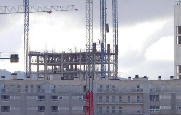 La vivienda nueva acentúa su abaratamiento y la usada lo modera