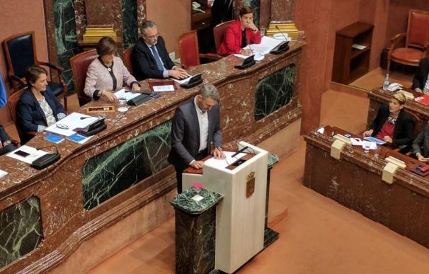 """Urralburu tacha de """"farsa"""" el debate, lamenta """"continuidad"""" López Miras y le advierte de su devenir"""