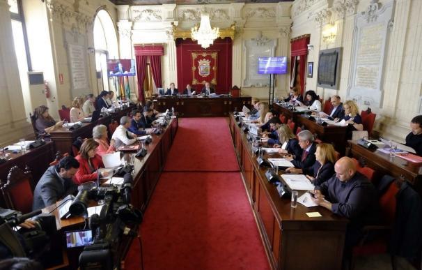 El Pleno de Málaga aprueba exigir actuaciones estables para la defensa del litoral de la ciudad
