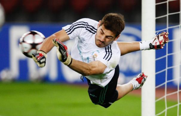 """El portero del Marsella considera a Casillas """"el mejor"""""""