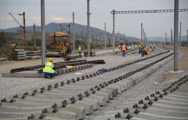 (Ampl.) FCC logra una ampliación de un contrato ferroviario en Rumanía por 1.634 millones