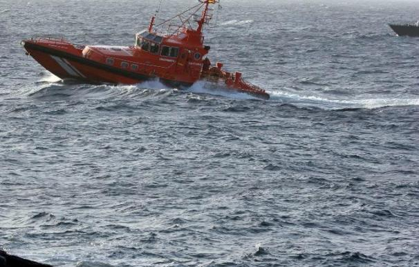 Llegan a Lanzarote 31 inmigrantes en una patera interceptada por Salvamento Marítimo