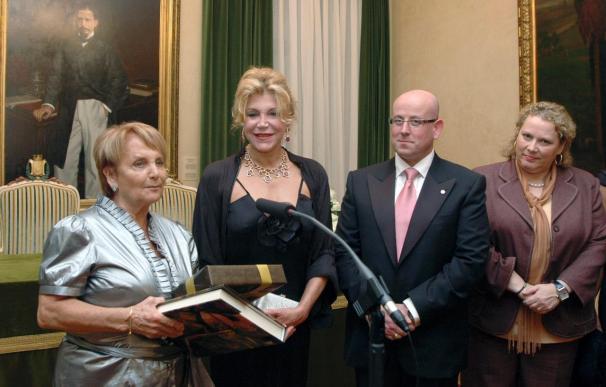 La baronesa Thyssen-Bornemisza agradece en Gijón el premio Melvis Jones
