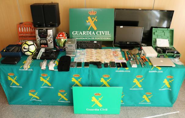 Detienen a los cuatro miembros de un grupo criminal que cometió 13 robos en naves y comercios de Pontevedra y Lugo