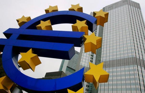 El euro baja hasta 1,4691 dólares en la apertura