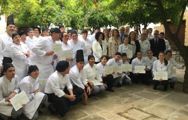 La Junta destaca a la Escuela de La Laguna por ser referente gastronómico y por sus altos índices de inserción