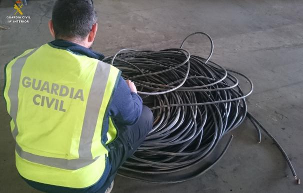 Dos detenidos en León por robar 100 kilos de material eléctrico en una explotación agrícola