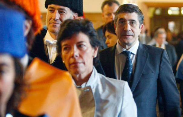 Patxi López promete seguir impulsando la UPV como mejor inversión ante la crisis
