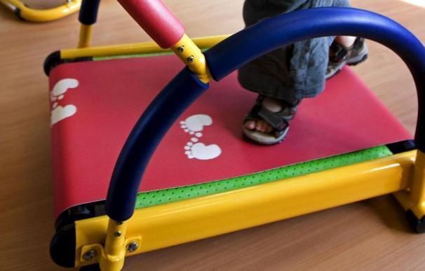 La OCU detecta sustancias químicas peligrosas en las alfombras de juego de los niños