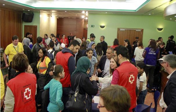 Llegan a España 56 refugiados sirios que serán acogidos en Sevilla, Málaga, Valladolid, Barcelona y Murcia