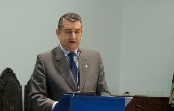 """Sanz valora """"con prudencia"""" la bajada del paro en Andalucía, que en empleo sigue """"lejos de la media española"""""""