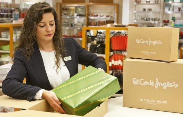 La patronal de grandes superficies sube los salarios un 2,5% y reduce los festivos