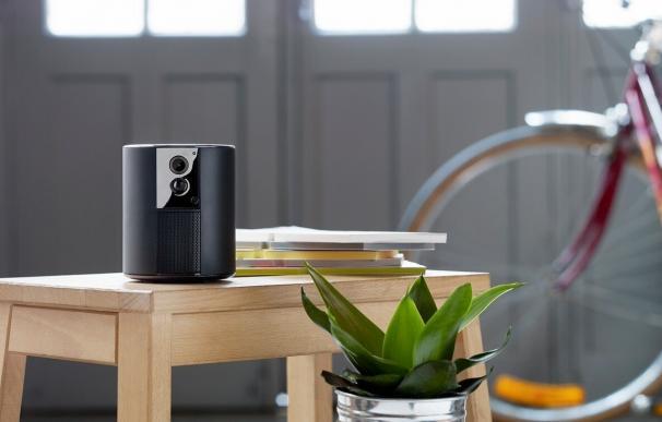 Somfy presenta esta alarma con cámara que te avisa al móvil si detecta que alguien entra en tu casa