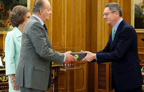 Los Reyes y Rodríguez Zapatero viajan mañana a Copenhague con el resto de la delegación española