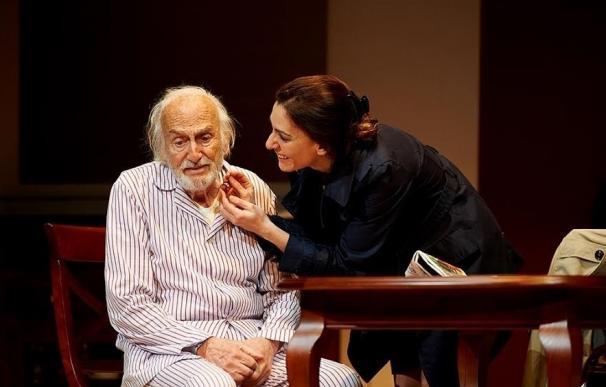 Héctor Alterio da vida desde este viernes a 'El padre' en el Gran Teatro
