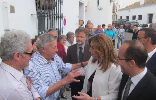 Díaz asegura que los nuevos accesos a la aldea del Rocío estarán listos y se abrirán antes de la romería