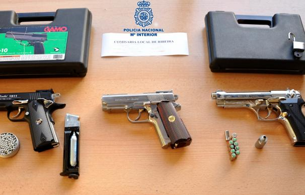 Detenidos tres jóvenes acusados de causar daños a viviendas y vehículos con pistolas de aire comprimido