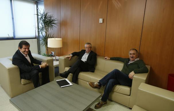 Toxo y Álvarez recaban el apoyo del PSOE a sus movilizaciones y siguen dispuestos a negociar