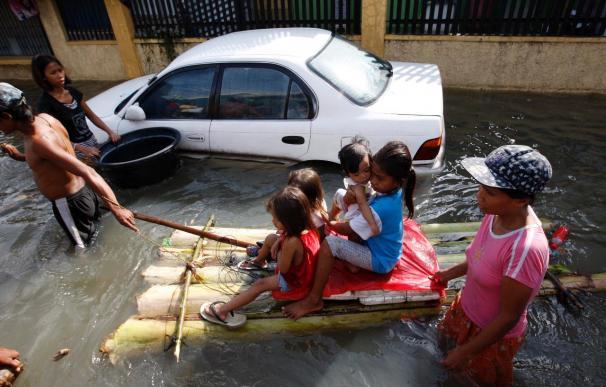 """Al menos 18 muertos por el tifón """"Ketsana"""" a su llegada a Vietnam"""
