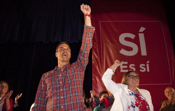 """Pedro Sánchez pide la dimisión de Rajoy y dice que """"el PSOE de la abstención"""" tiene difícil exigirla"""