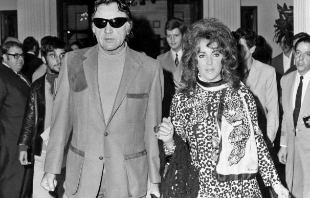 Elizabeth Taylor aún duerme con una foto de Richard Burton junto a su cama