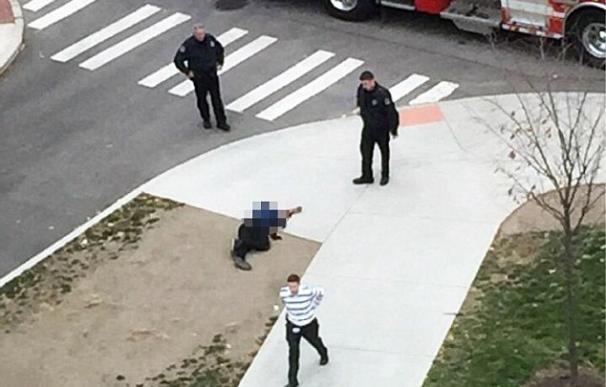 Un joven somalí armado con un cuchillo de carnicero causa el terror en una universidad de Ohio