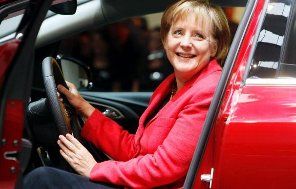 Merkel considera necesaria una salida coordinada de la crisis económica